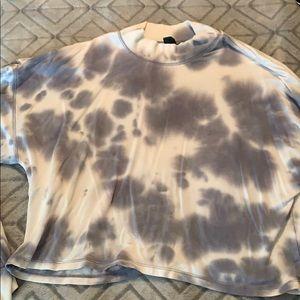 Wild fable tie dye mock turtle neck crop shirt